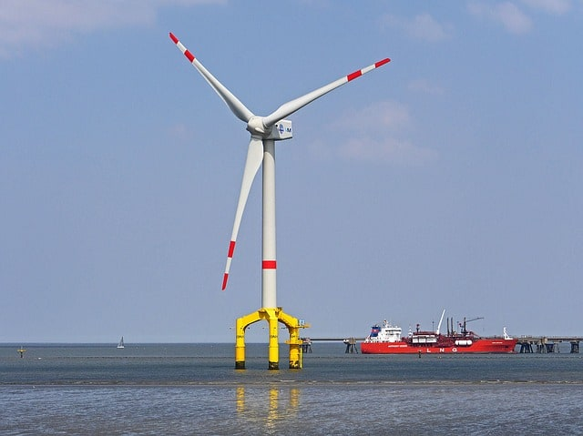 Vibrating equipment for installing offshore windmill